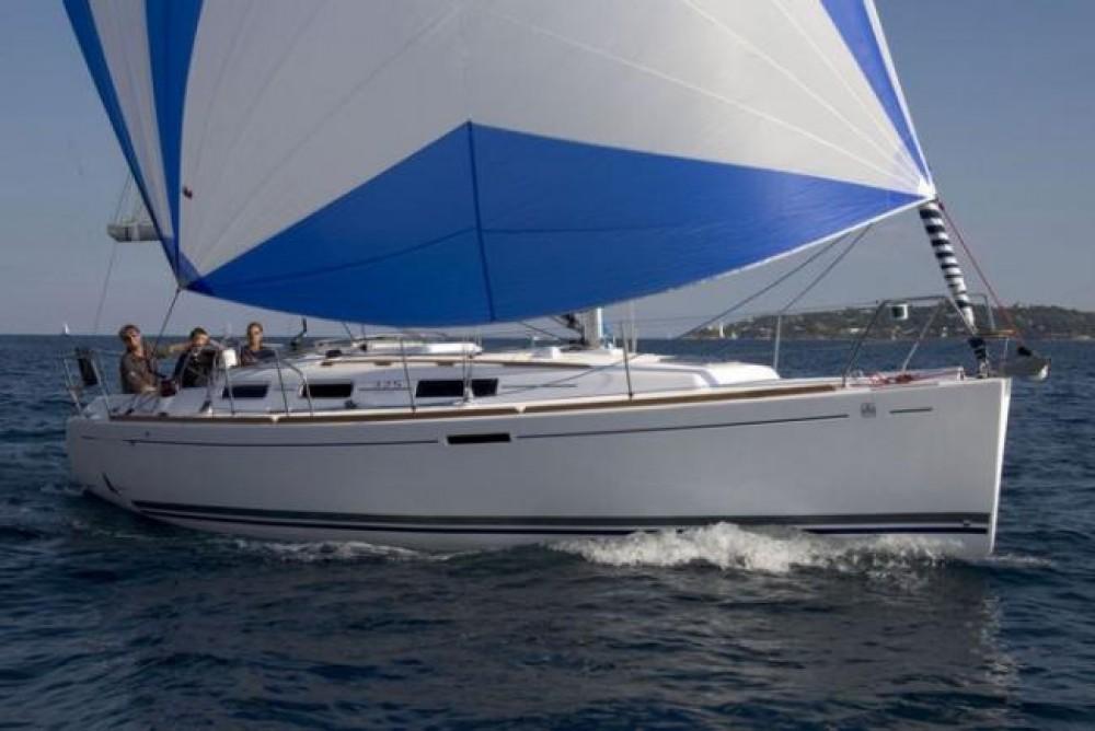 Rental yacht Dalsbruk - Dufour Dufour 325 on SamBoat