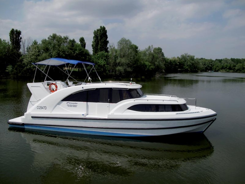 Canal boat for rent Precenicco at the best price