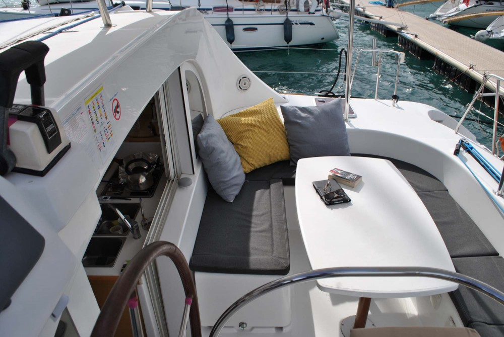 Rental yacht Kalafationes - Lagoon Lagoon 380 on SamBoat