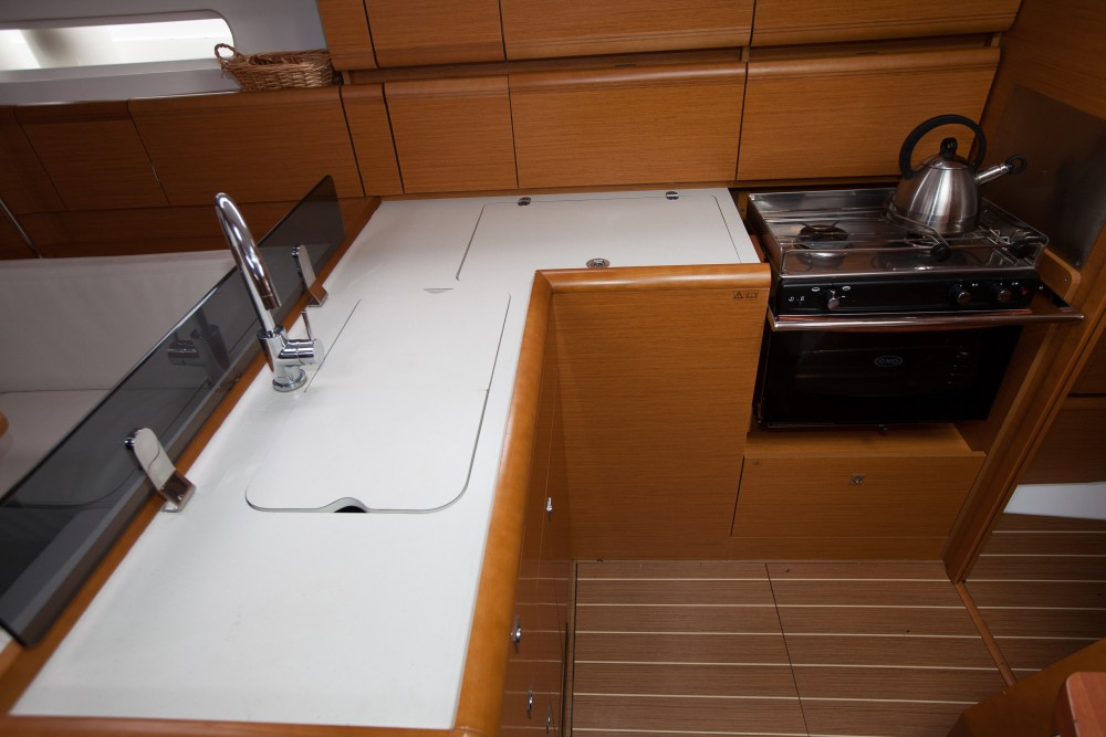 Hire Sailboat with or without skipper Jeanneau Palma