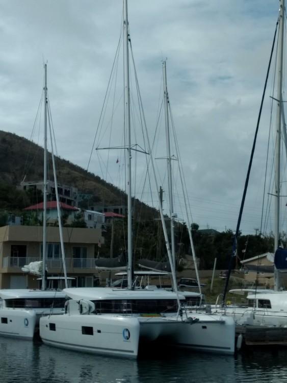 Boat rental Road Town cheap Lagoon 42