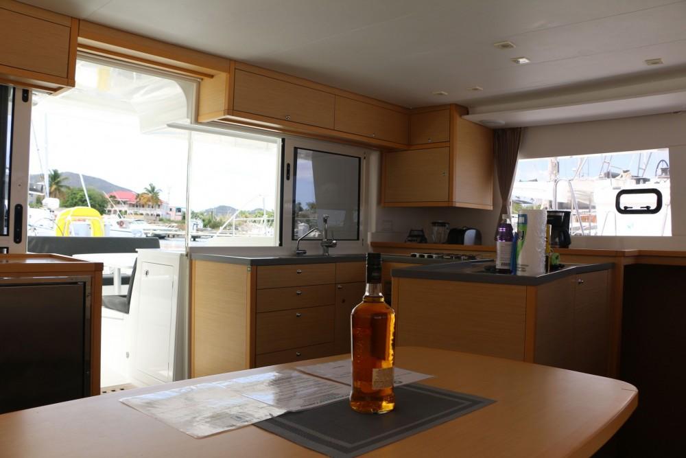 Boat rental Road Town cheap Lagoon 450