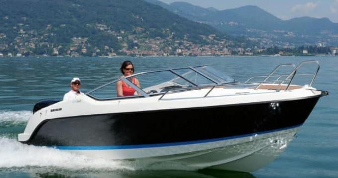Boat rental Quicksilver Activ 645 Cabin in Hyères on Samboat