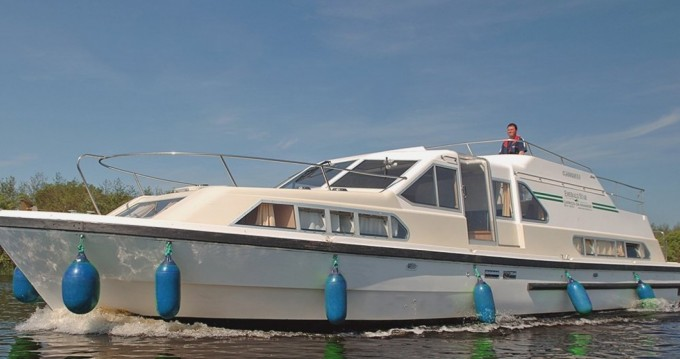 Hire Canal boat with or without skipper Classique Carrick on Shannon