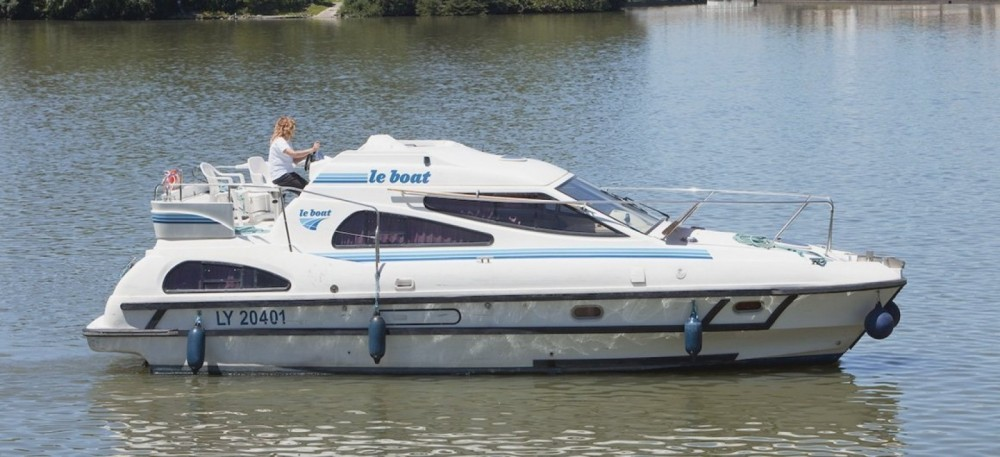 Boat rental Consul Consul in Vinkeveen on Samboat