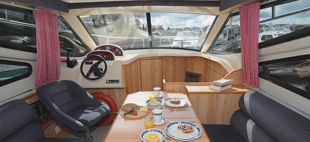Hire Canal boat with or without skipper Consul Invergarry