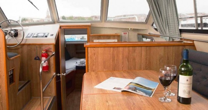 Rental Canal boat in Vinkeveen - Crusader Crusader