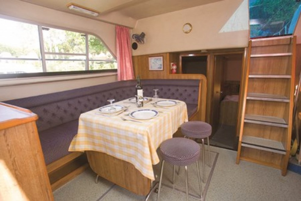 Hire Canal boat with or without skipper Crusader Carrick-on-Shannon