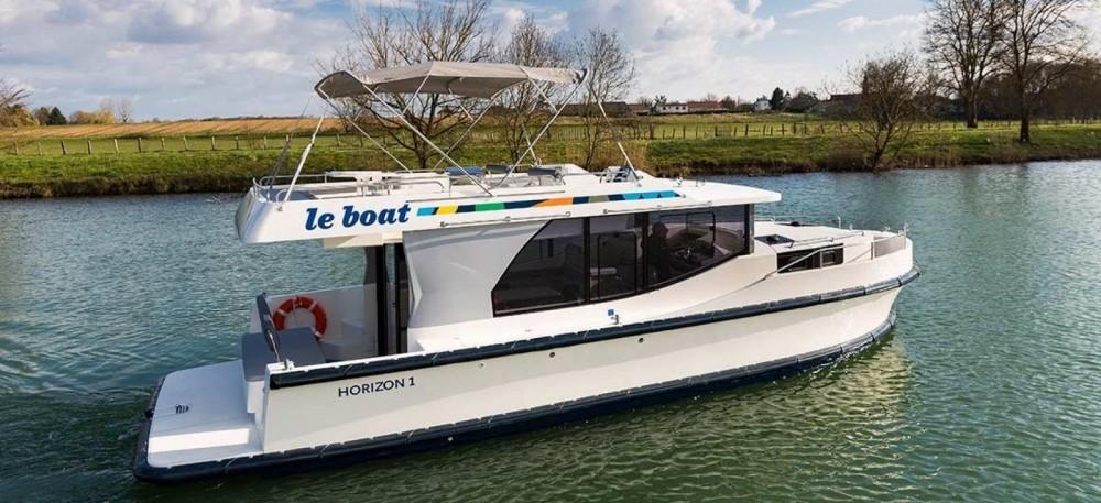 Boat rental Delphia Horizon  in Carrick-on-Shannon on Samboat