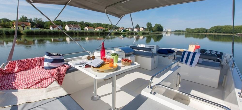 Boat rental Delphia Horizon  in Invergarry on Samboat