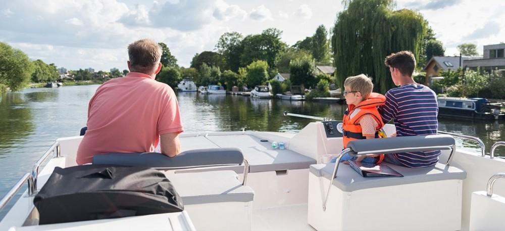 Rental Canal boat in Vinkeveen - Delphia Horizon 4