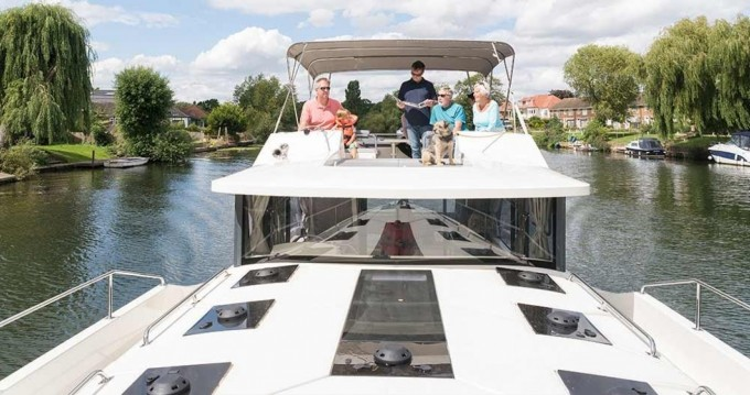 Hire Canal boat with or without skipper Delphia Carrick on Shannon