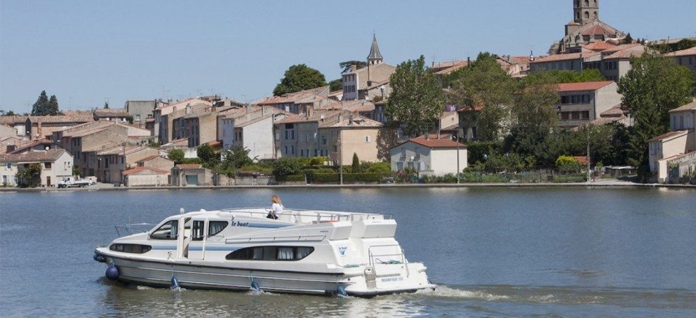 Rental yacht Staines-upon-Thames - Connoisseur Magnifique  on SamBoat