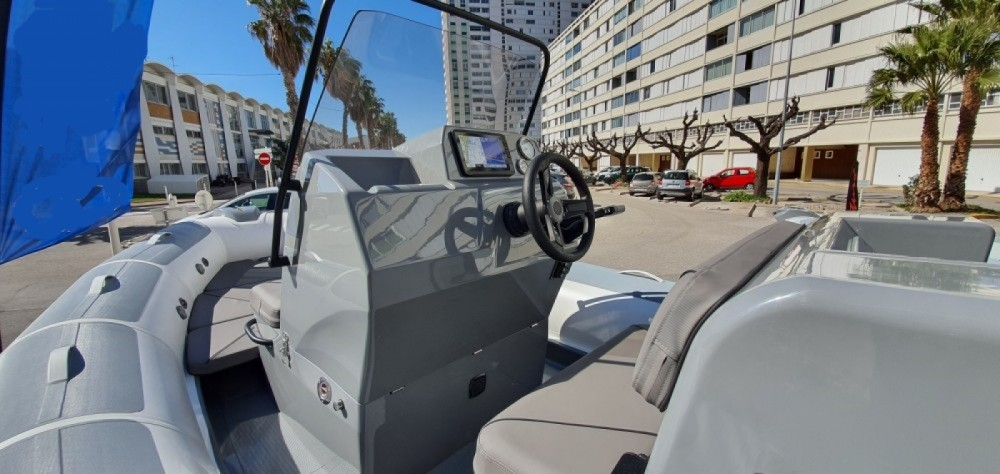 Rental RIB in Toulon - Adventure VESTA 6.50