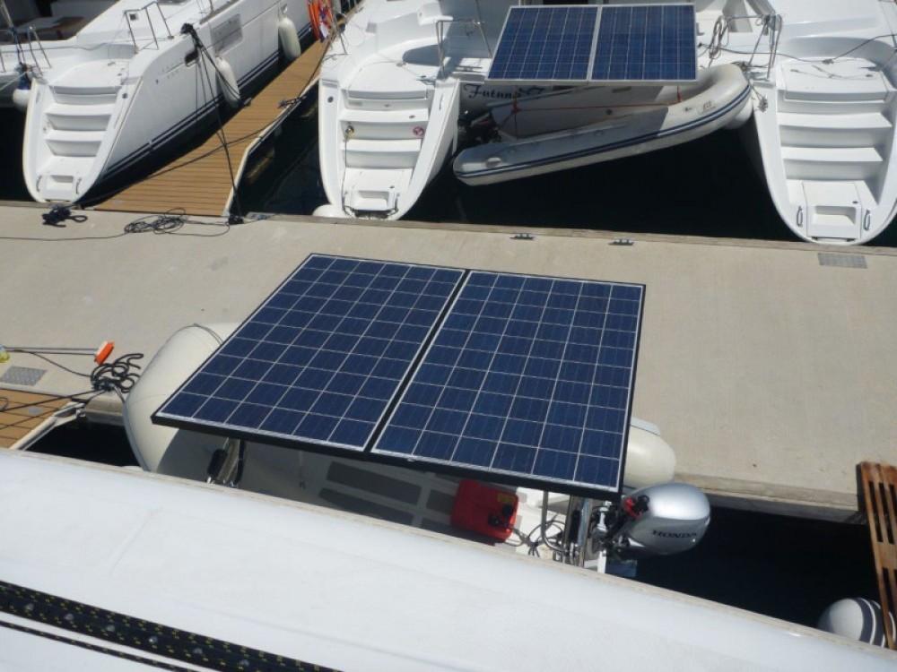 Boat rental  cheap Lagoon 421 (4+1 cab.)