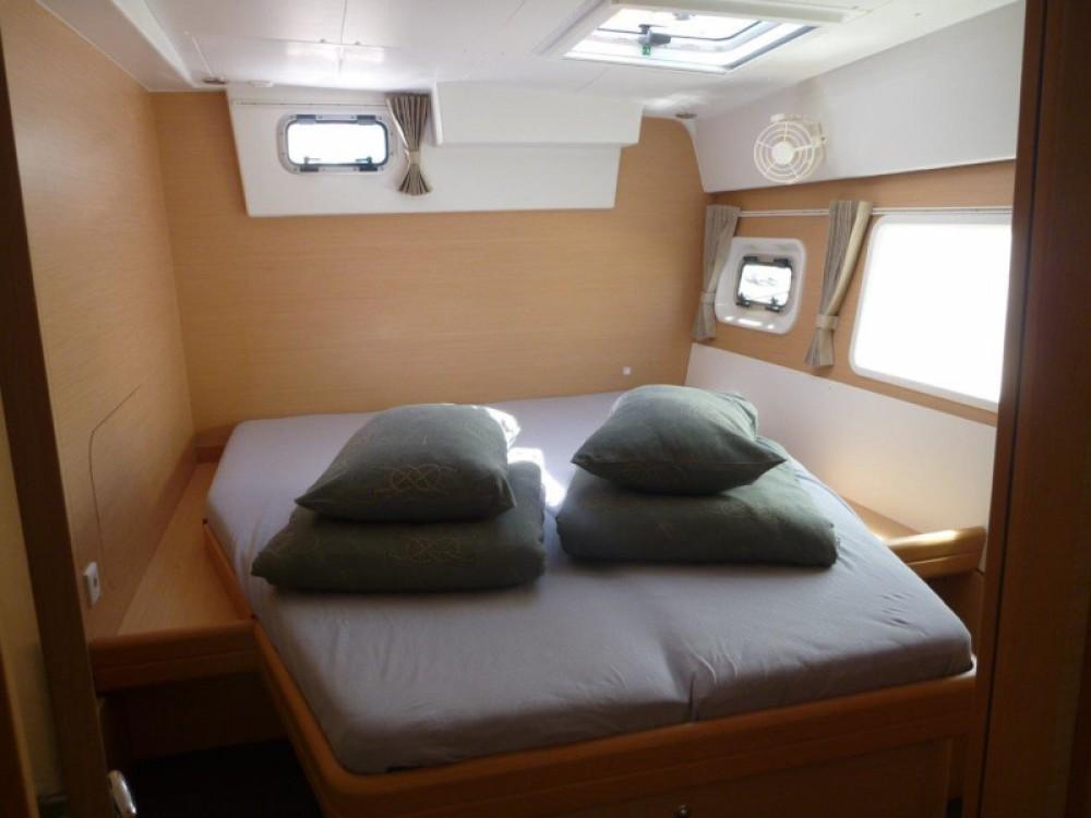 Rental yacht  - Lagoon Lagoon 421 (4+1 cab.) on SamBoat