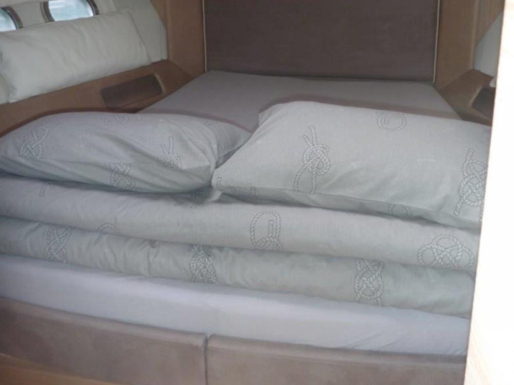 Rental yacht Šibenik - Bénéteau Monte Carlo 5 (3+1 cab.) on SamBoat