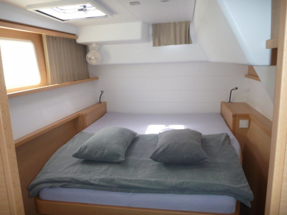 Rental Catamaran in Šibenik - Lagoon Lagoon 450 Sport (4+2 cab.)