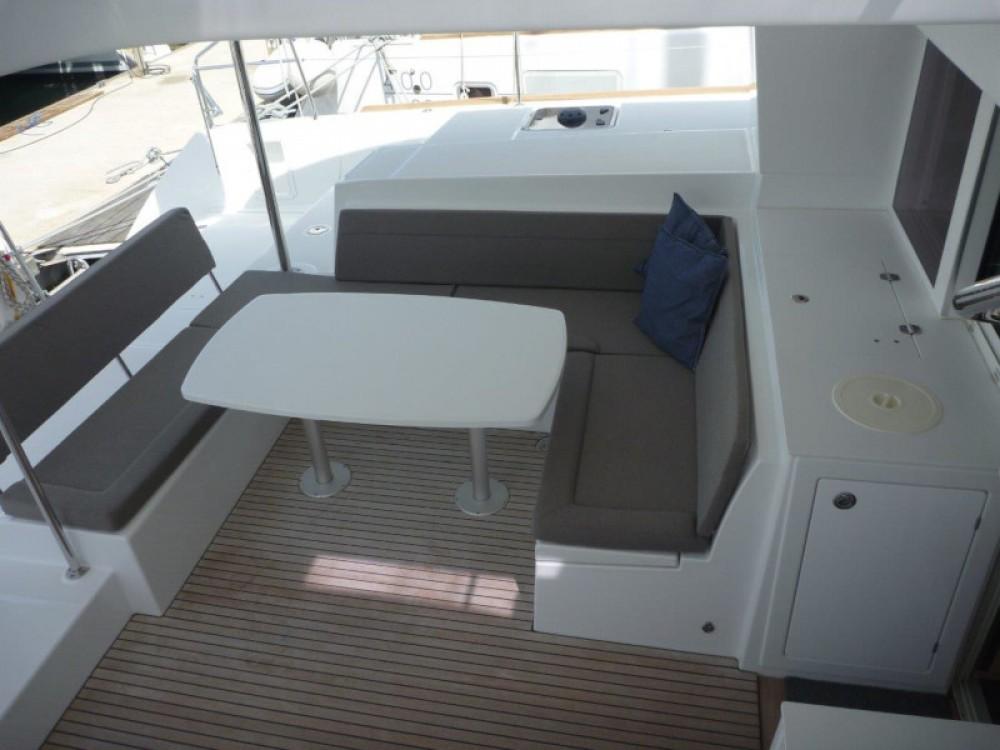 Boat rental Lagoon Lagoon 450 Sport (4+2 cab.) in Šibenik on Samboat
