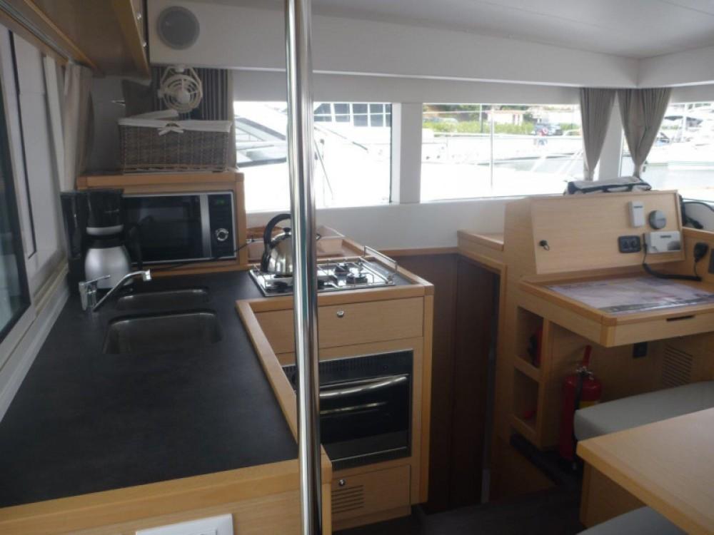 Rental yacht Šibenik - Lagoon Lagoon 40 (4+2 cab.) on SamBoat