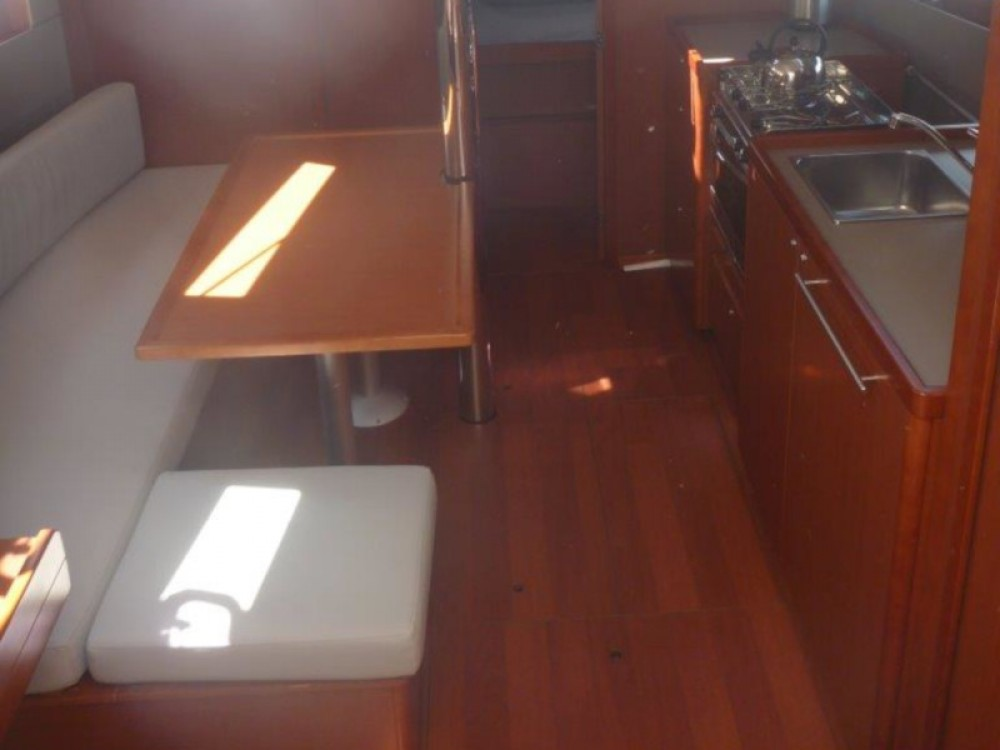 Bénéteau Oceanis 38- 3 cab. between personal and professional Šibenik