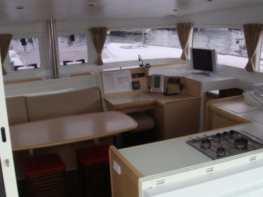 Rental Catamaran in Šibenik - Lagoon Lagoon 400 (4+2 cab.)