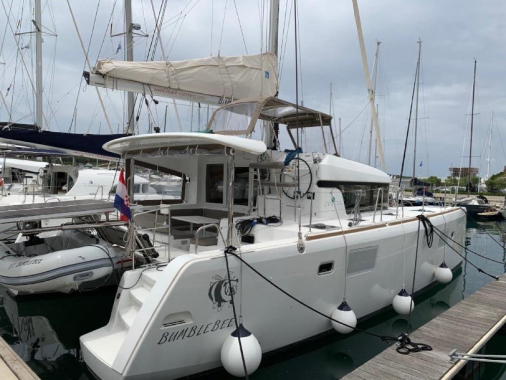 Boat rental Šibenik cheap Lagoon 39