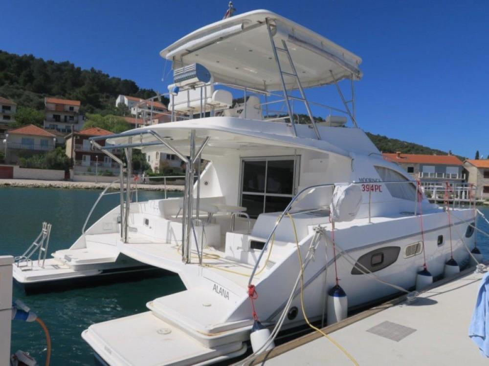Boat rental Leopard Leopard 39 PC (4+2 cab.) in Šibenik on Samboat