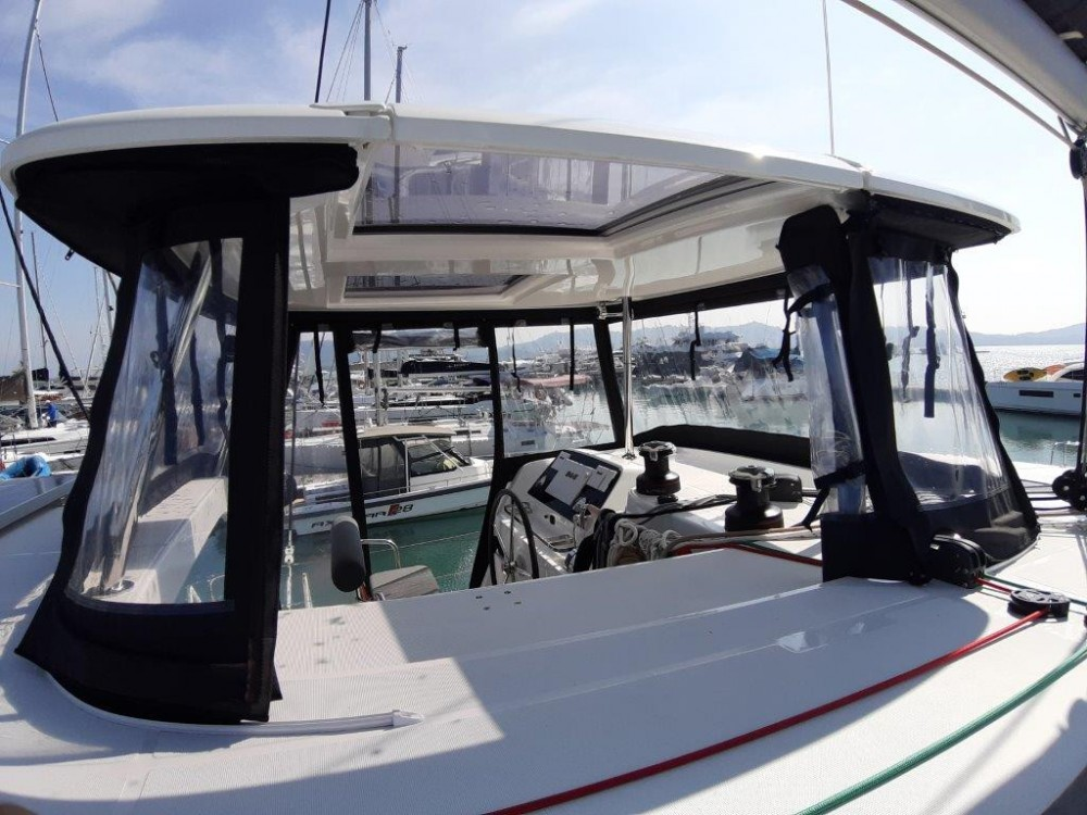 Rental yacht Phuket - Lagoon Catamaran Lagoon 420 on SamBoat