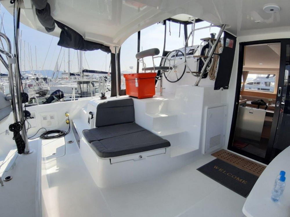 Boat rental Lagoon Catamaran Lagoon 420 in Phuket on Samboat