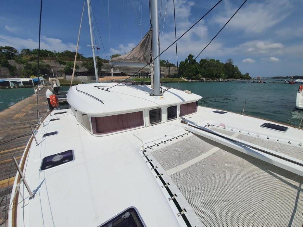 Boat rental Lagoon Lagoon 400 S2 in Phuket on Samboat