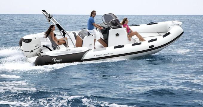 Boat rental Ranieri Cayman 23 Sport in Arcachon on Samboat