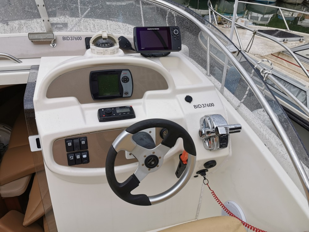 Hire Motor boat with or without skipper Jeanneau Mandelieu-la-Napoule
