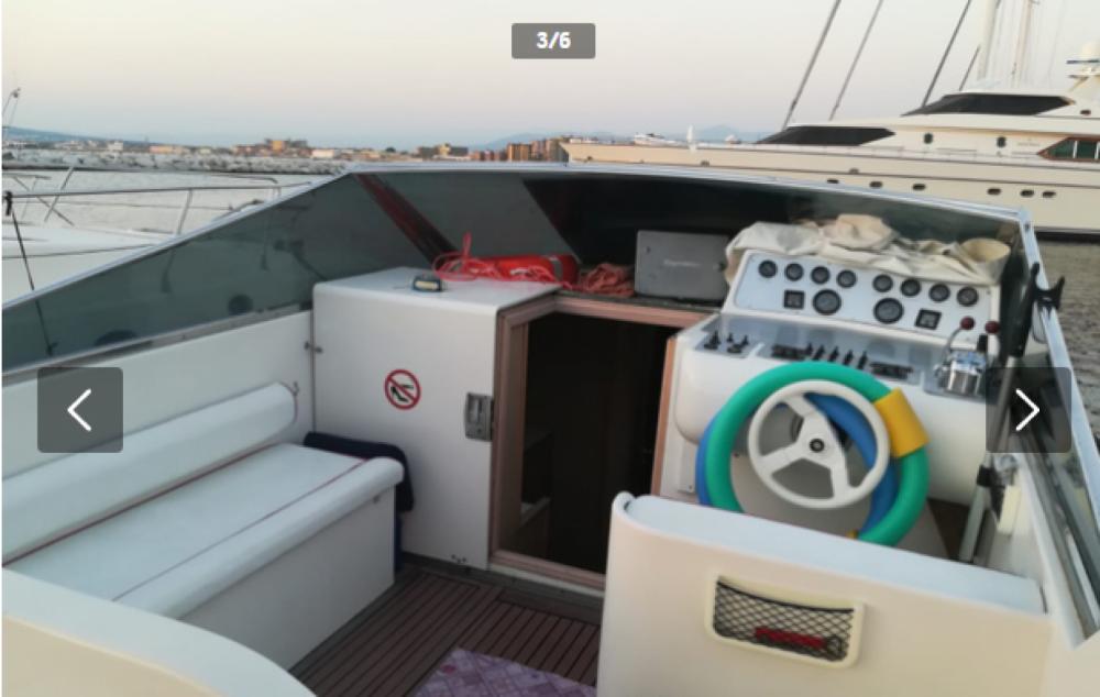 Boat rental Molinari dart 36 in Castellammare di Stabia on Samboat