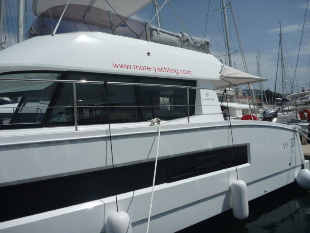 Rent a Fountaine Pajot MY 37- 4. cab. Šibenik
