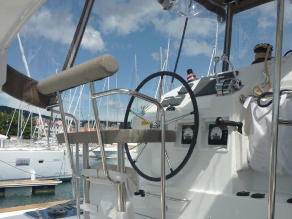 Rental Catamaran in  - Lagoon Lagoon 400 S2- 3 cab.