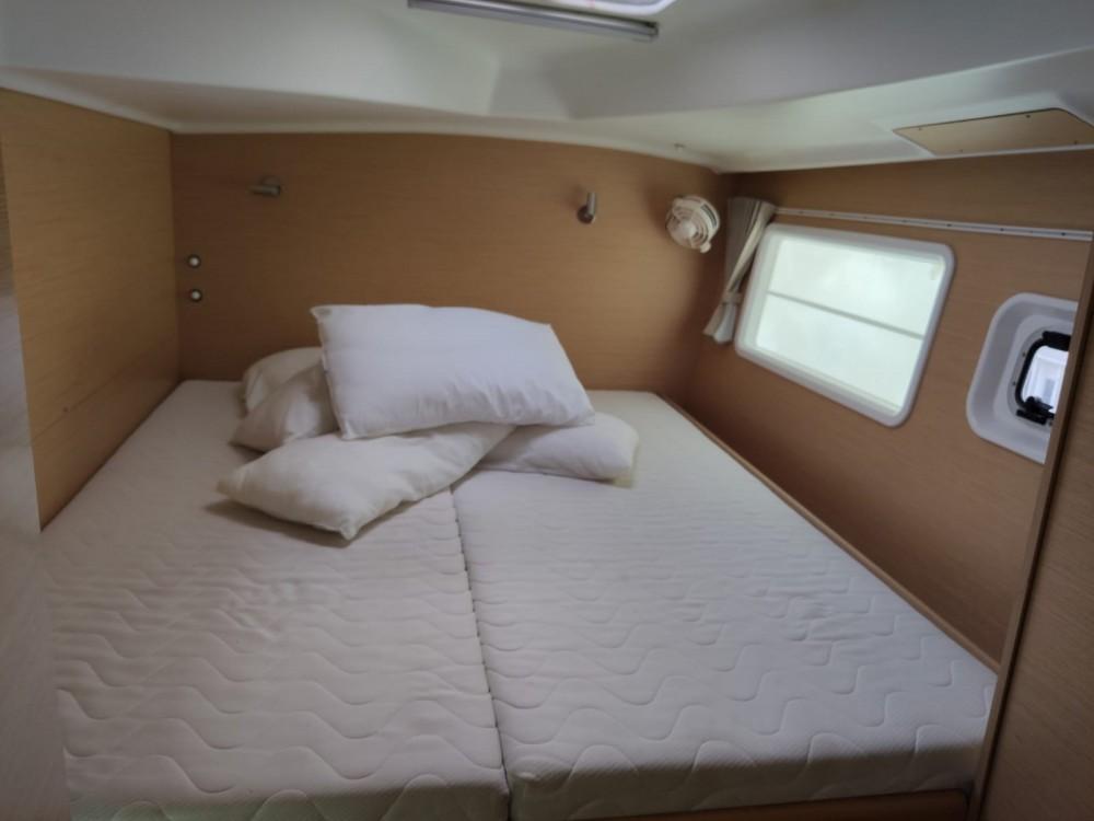 Rental Catamaran in Ayamonte - Lagoon Lagoon 380 S2