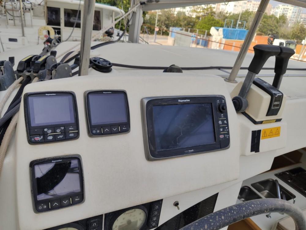 Rent a Lagoon Lagoon 380 S2 Ayamonte