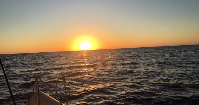 Hire Sailboat with or without skipper Jeanneau Agde