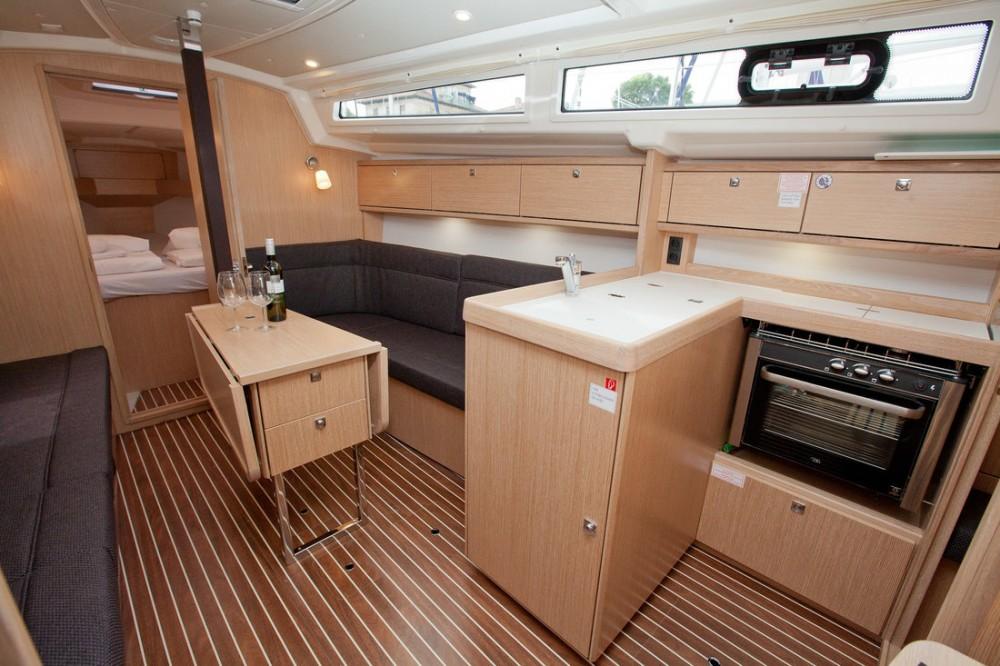 Rental yacht Grad Zadar - Bavaria Bavaria Cruiser 34 Style on SamBoat
