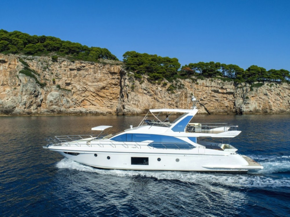 Rental yacht Dubrovnik - Azimut Azimut 66 on SamBoat