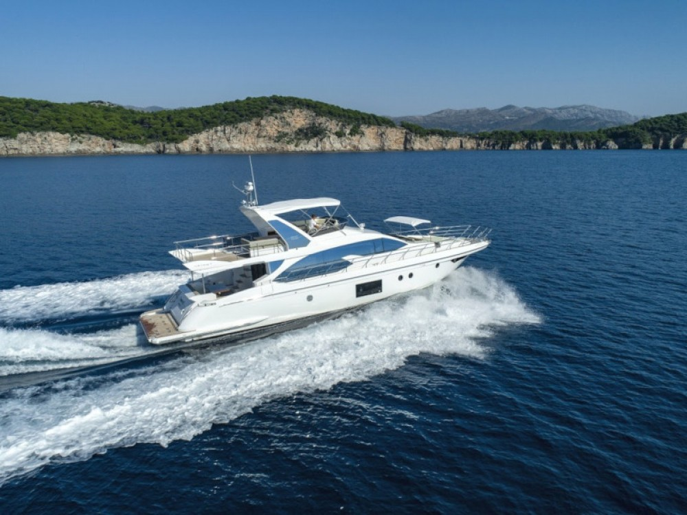 Boat rental Azimut Azimut 66 in Dubrovnik on Samboat