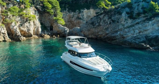 Boat rental Jeanneau Prestige 460 in Dubrovnik on Samboat