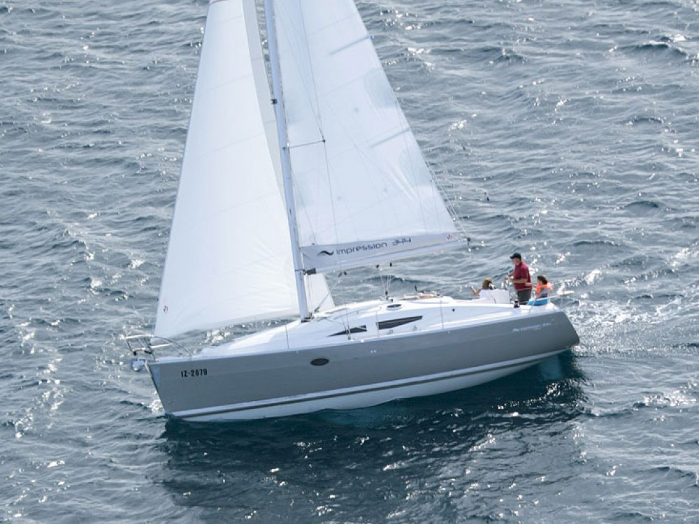 Sailboat for rent Corinth at the best price