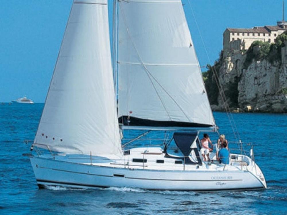 Rent a Bénéteau Oceanis 323 Greece