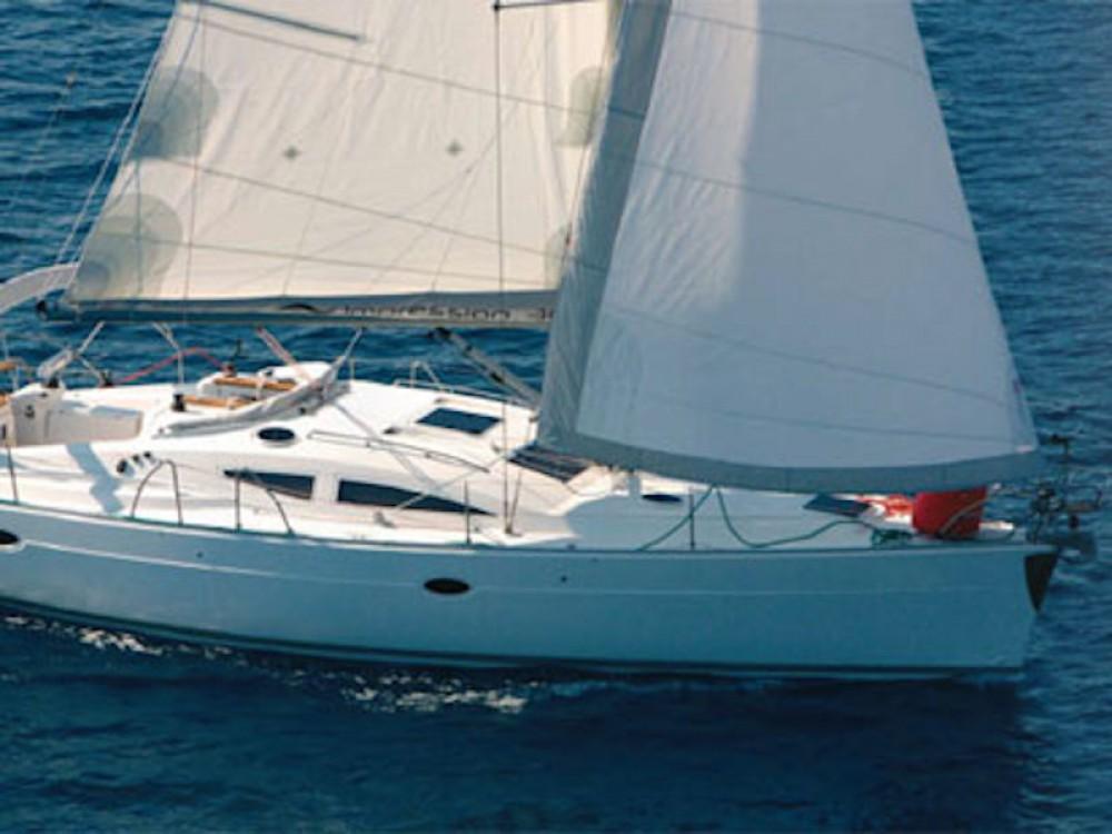 Rental yacht Corinthe - Elan Elan 384 on SamBoat