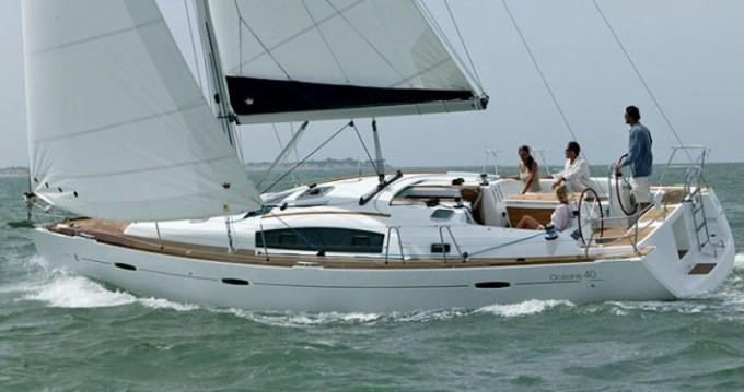 Rental yacht Kórfos - Bénéteau Oceanis 40 on SamBoat