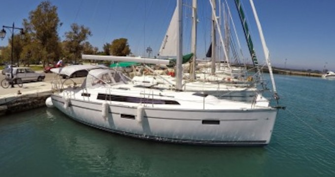 Boat rental Kórfos cheap Bavaria 37