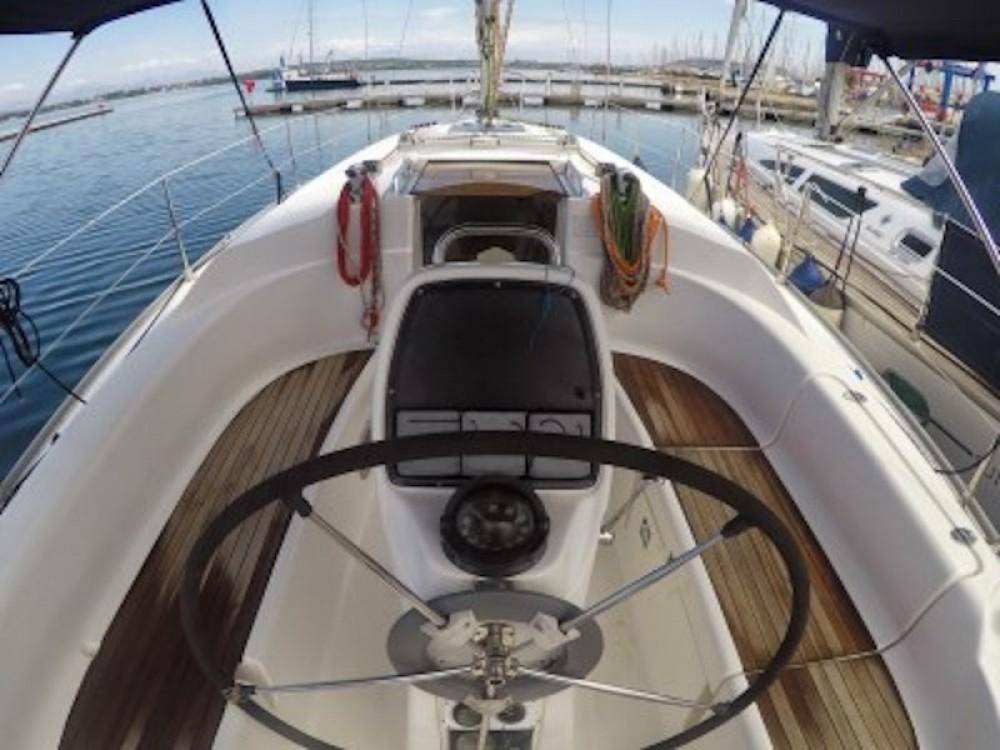 Rental yacht Greece - Bavaria Bavaria 33 on SamBoat