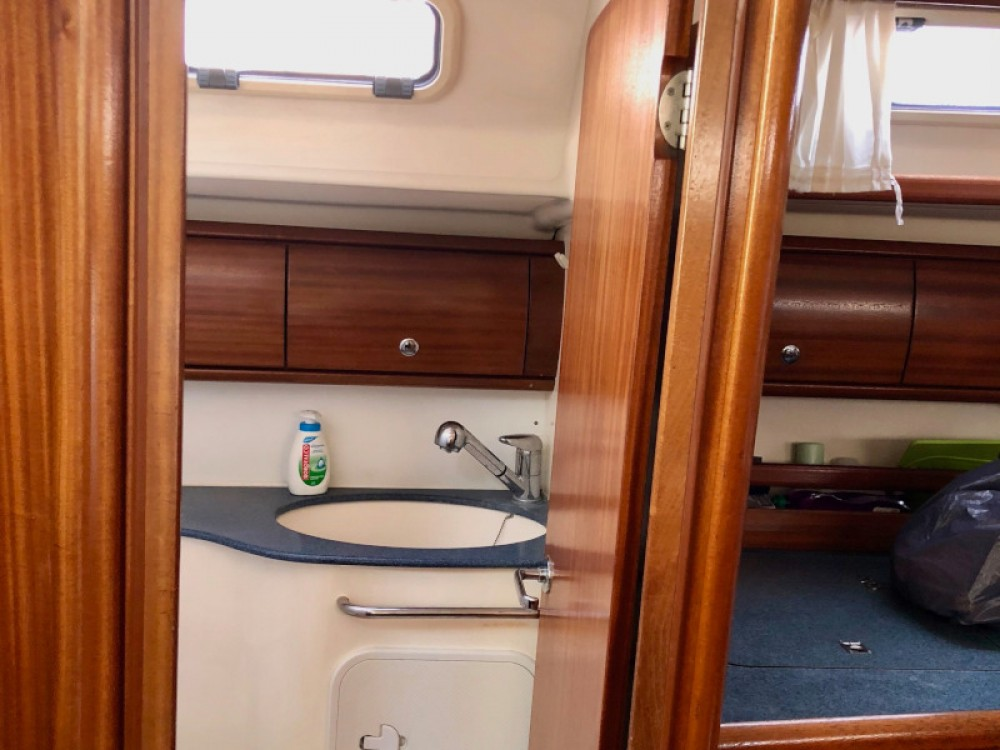 Sailboat for rent Fezzano at the best price